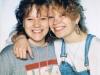 Minä ja Pauliina koulun sisaruskuvassa